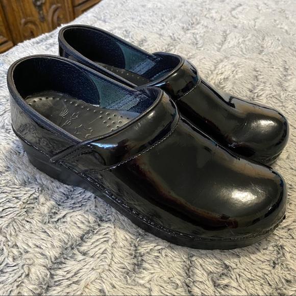 Professional Clogs Black Patent Leather